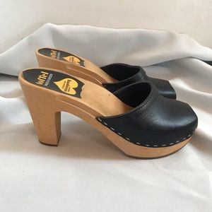 Swedish Hasbeens Sky High Mule Black Size 37